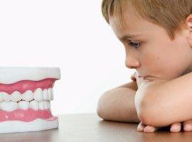 Ребенок боится стоматолога: что делать?