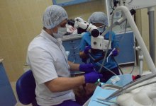 Лечение зубов под микроскопом. Специалист: врач-эндоскопист Черевашенко Николай Александрович.